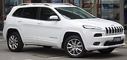 2017 Jeep Cherokee (KL MY17) Limited wagon (2017-12-09) 01.jpg