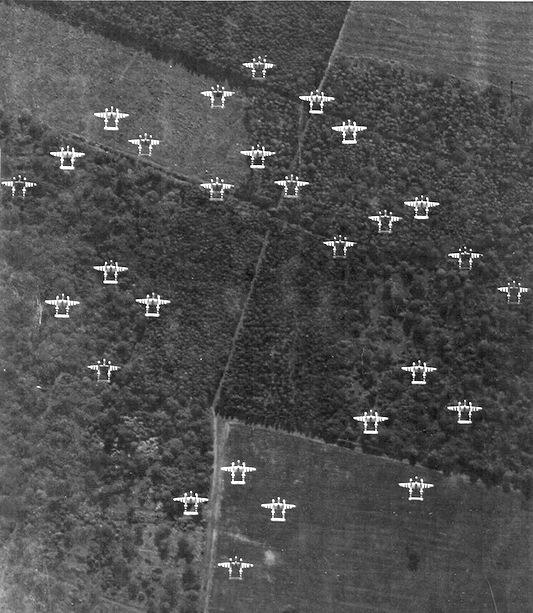 20th Fighter Group - P-38 Formation