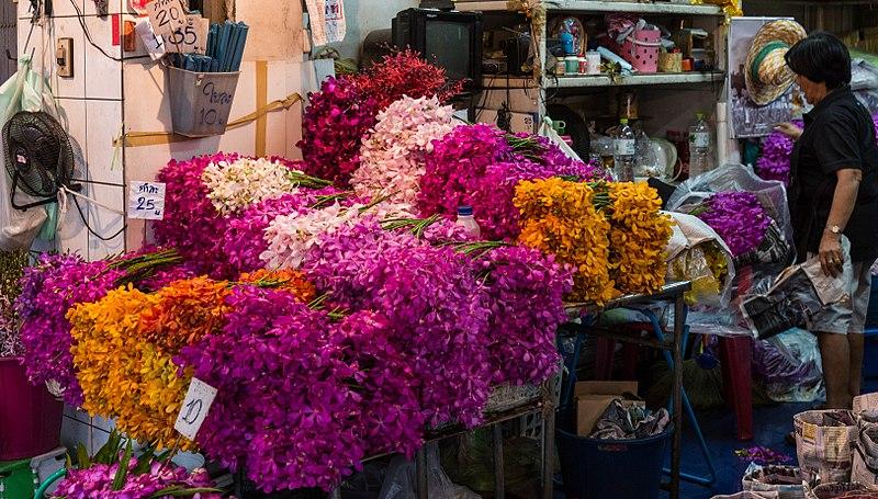 File:4Y1A0267 Bangkok, Flower Market (32852717971).jpg