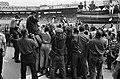 51e Tour de France, Fotografen en cameramannen omstuwen de winnaar Jacques Anqu…, Bestanddeelnr 916-6421.jpg