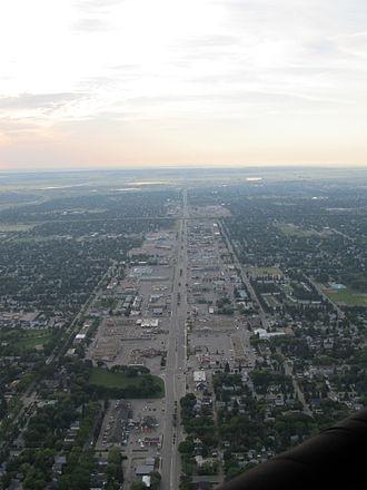 8th Street East, Saskatoon - Aerial view of 8th Street East in Saskatoon, Saskatchewan, Canada. View is looking east - nearest cross street is Ewart Avenue