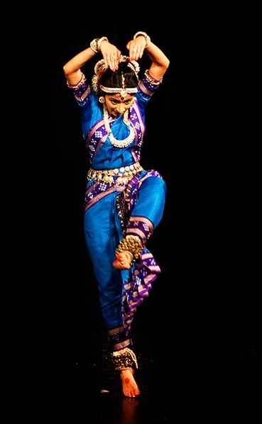 File:A pose in Odissi nritya, a classical Hindu performance art, Nandini Ghosal.jpg