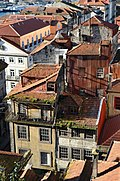 A walk through the roofs of Porto XV (6825191249).jpg