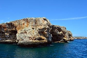 Acantilado de rocas.jpg