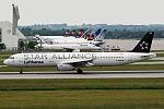 Airbus A321-131Lufthansa Star Alliance D-AIRW (9235593291).jpg