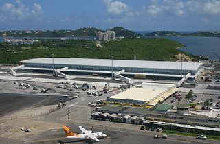 airport on the Caribbean island of Saint Martin, Sint Maarten