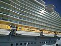 Allure of the Seas Starboard (31790850196).jpg