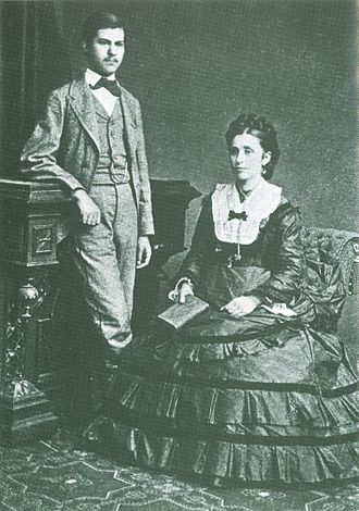 Oedipus complex - The psychologist Sigmund Freud (at age 16) with his mother in 1872.