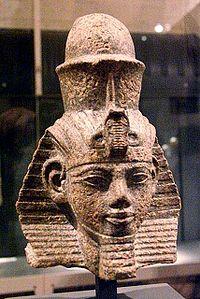 Busto de Amenhotep III en el museo egipcio de Berlín