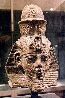 Porträtkopf des Pharaos Amenophis III.