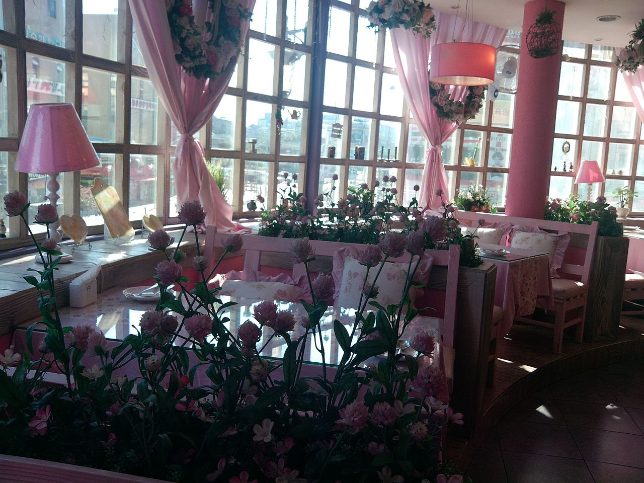 file:ansan korea pink cafe interior - wikimedia commons
