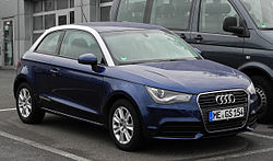 Audi A1 1.6 TDI Attraction – Frontansicht, 4. September 2011, Velbert.jpg