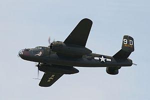 "B-25J ""Briefing Time"", Thunder Over Michigan 2006.jpg"
