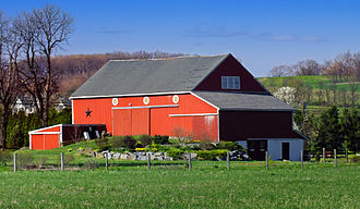 Upper Macungie Township, Pennsylvania - A Pennsylvania Dutch style barn near Newtown Road in Breinigsville