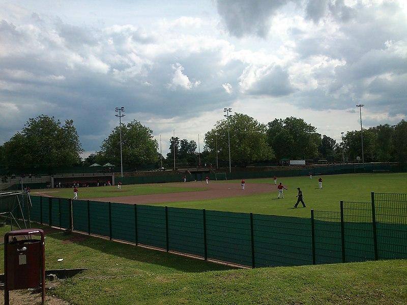 File:Baseballspiel im Hoeschpark, Dortmund - panoramio.jpg