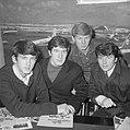 Beatgroep Searchers bij aankomst op Schiphol, Bestanddeelnr 918-1992.jpg