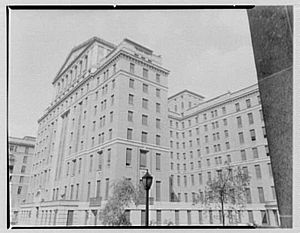 Bellevue Hospital - The front door, since 1950. Its left side and back-left side, before it was demolished