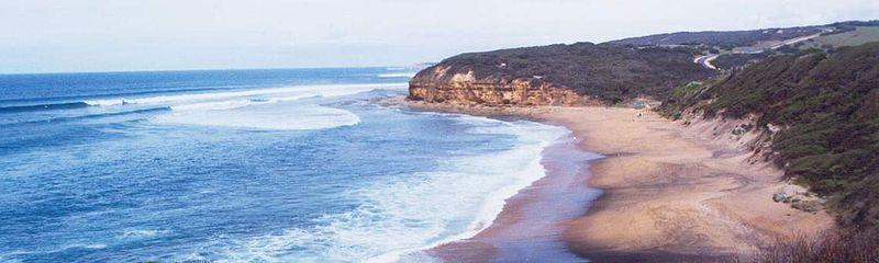 Bell's Beach 800px-Bells_beach_in_victoria
