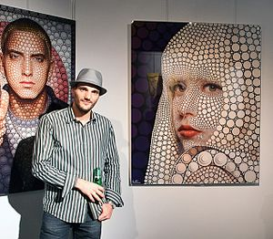 Ben Heine - Ben Heine during an exhibition of Digital circlism