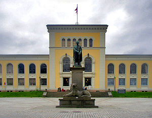University Museum of Bergen -  Museum plaza with the statue of Wilhelm Frimann Koren Christie,  founder of the University Museum of Bergen