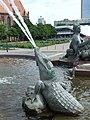 Berlín, Mitte, Neptunova kašna, krokodýl.jpg
