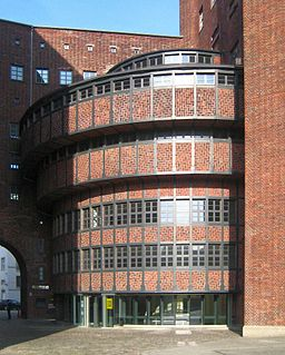 Abspannwerk Buchhändlerhof, Jörg Zägel [CC BY-SA 3.0 (https://creativecommons.org/licenses/by-sa/3.0)], via Wikimedia Commons