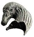 Beslagonderdeel van een aanligbed in de vorm van een zwanenkop in brons, 0 tot 100 NC, vindplaats- Tongeren, Sint-Truiderstraat nr. 44, november 1935, collectie Gallo-Romeins Museum Tongeren, E 437.jpg