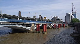 Blackfriars station MMB 18.jpg