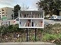 Boîte à livres à Rillieux vers le centre social de La Velette.jpg