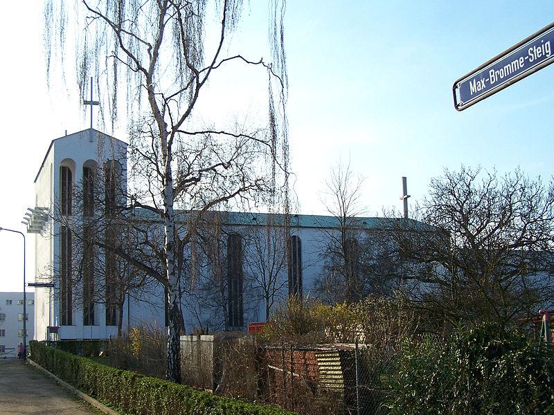File:Bornheimer Hang Westen HK-Kirche 15032011.JPG