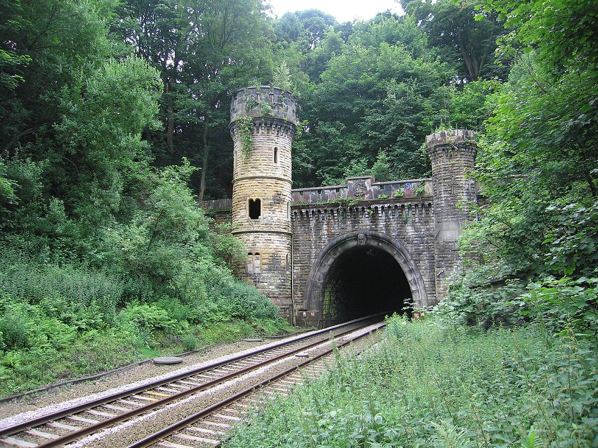 Bramhope tunnel wikipedia for N portal