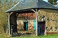 Brucamps porche d'une ancienne fermette 2.jpg