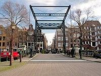 Brug 146, Oranjebrug, in de Binnen Oranjestraat over de Brouwersgracht foto 1.jpg