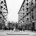 Budapest VII., Damjanich utca 40. és 42. közötti benzinkút. Forrás- National Archives (USA) Fortepan 12415.jpg