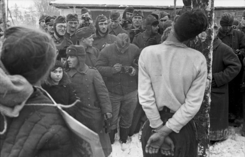 Bundesarchiv Bild 101I-287-0872-28A, Russland, Hinrichtung von Partisanen
