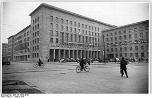 German Economic Commission - Image: Bundesarchiv Bild 183 19000 4055, Berlin, Leipziger Straße, Deutsche Wirtschaftskommissio n