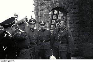 Bundesarchiv Bild 192-353, KZ Mauthausen, Himmlervisite.jpg
