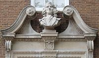 Bust Of Thomas Coram-Brunswick Square.jpg