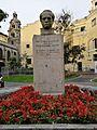 Bust de Raul Porras Barranechea a Miraflores02.jpg
