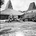 COLLECTIE TROPENMUSEUM Het graf van een raja Rendeh TMnr 10016715.jpg