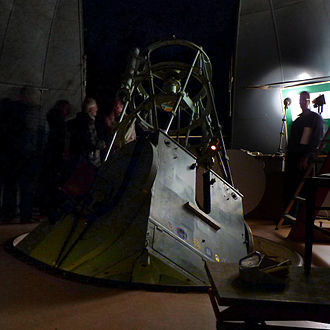 Institute of Astronomy, Cambridge - The 36-inch telescope being used for the 2011 Cambridge Astronomy Association Introduction to Astronomy course.
