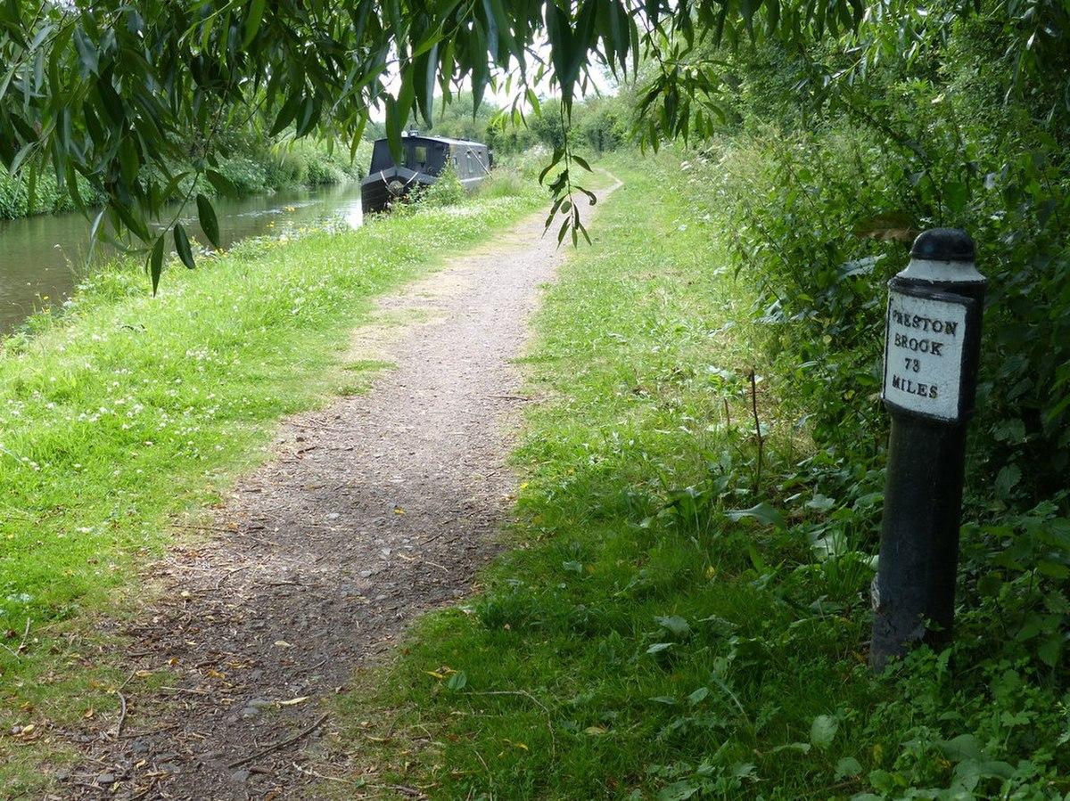 Canal Milepost, Dunstall.jpg