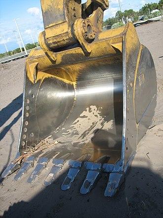 Caterpillar 345C L - A Caterpillar 345C L Excavator bucket.