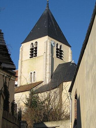 Cepoy - The church.