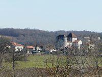 Cercles village (1).JPG