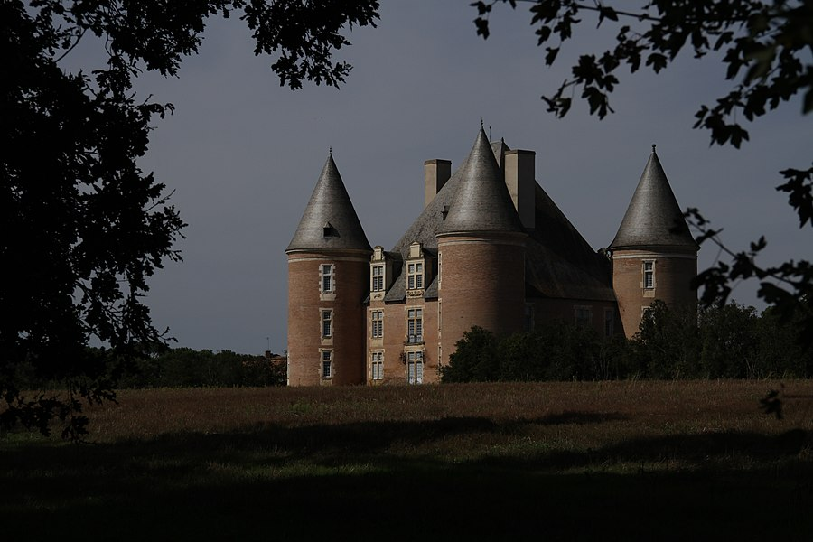 Château de Saint-Élix-le-Château (InscritInscrit)