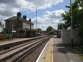 Chertsey station look east1.JPG
