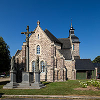 Chevet de l'église Saint-Pierre, Plélan-le-Grand, France.jpg