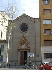 La facciata neogotica