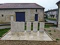 Cimetière de Véel-Tombes du Commonwealth (4).jpg